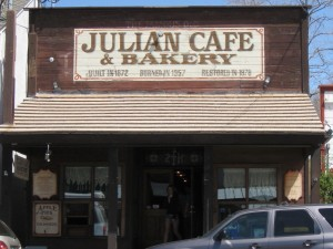 Julian is full of old country shops and cafes